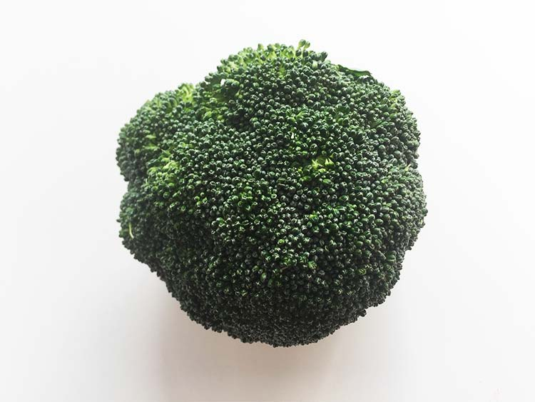 Broccoli - 5 foods that help you beat the common cold