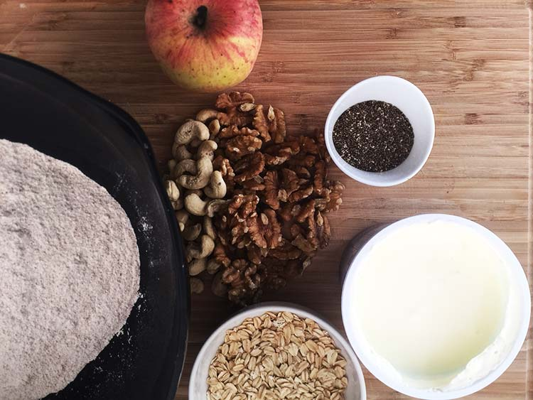 Apple and nut bread - Ingredients